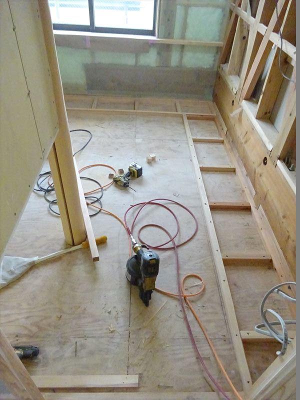 仙北町の家 大工工事が進行中です!_f0105112_04322259.jpg