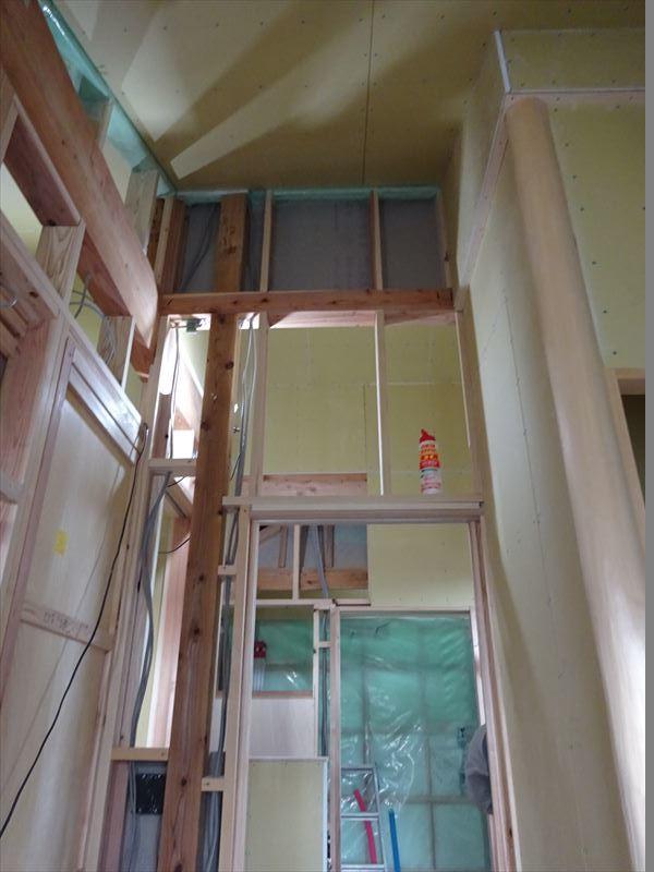仙北町の家 大工工事が進行中です!_f0105112_04380932.jpg