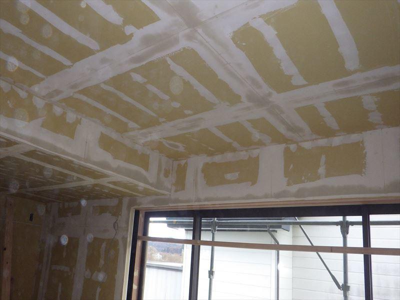 仙北町の家 大工工事が進行中です!_f0105112_04445133.jpg