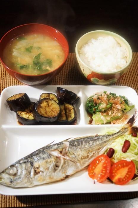 ■THE・朝ご飯【鯵の塩焼き/納豆汁】_b0033423_09162136.jpg
