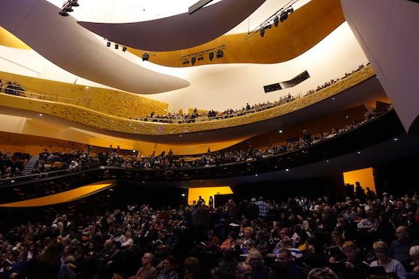 Rokia Traore at Philharmonie de Paris 2020_d0010432_17461933.jpg