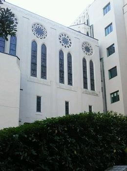 礼拝堂の窓 築地(東京)_e0098739_15503793.jpg
