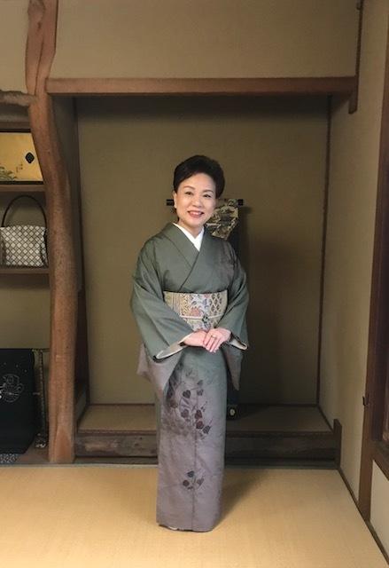 高屋三佐江さんとお仲間・結城に汕頭・作家さん着物と帯。_f0181251_18122947.jpg