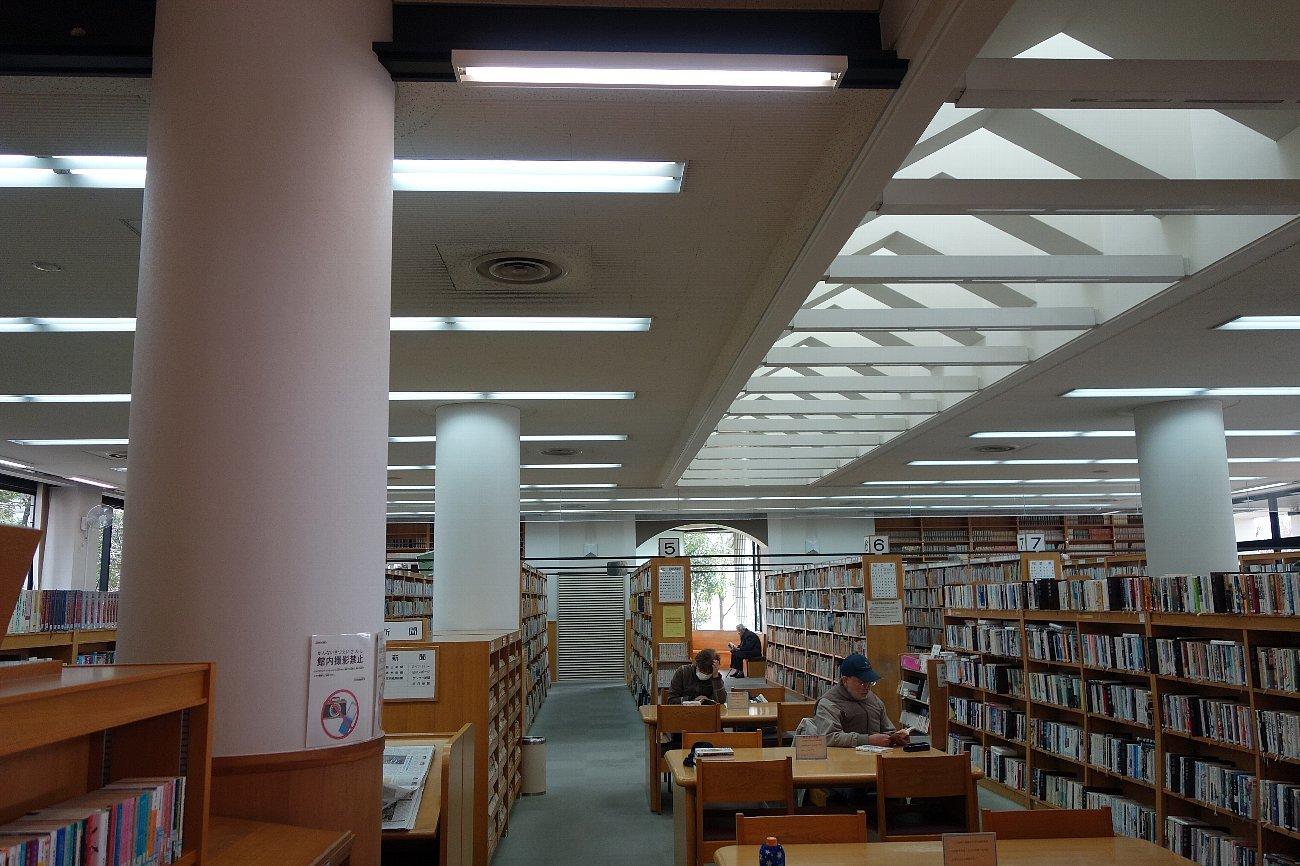 高槻市立小寺池図書館_c0112559_07520574.jpg