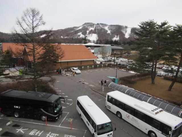 暖かい大寒の日 * 浅間山の冠雪と軽井沢駅からのプリンススキー場_f0236260_17332750.jpg