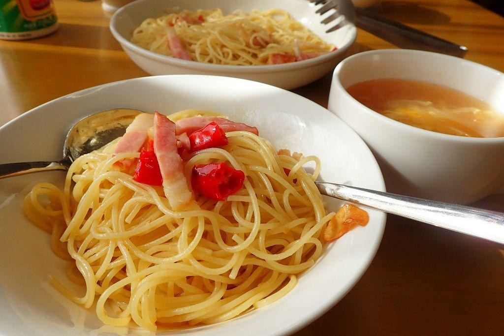 昼飯は家でアーリオ・オリオ・ペペロンチーノ_e0220163_17105020.jpg