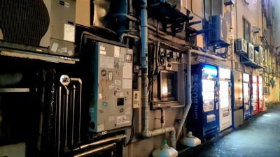 Tokyo cell phone buildings_d0244370_01350364.jpg