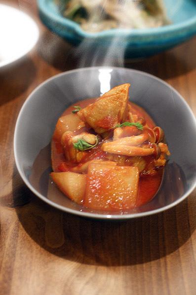 チキンと大根のトマト煮_e0137277_21055901.jpg