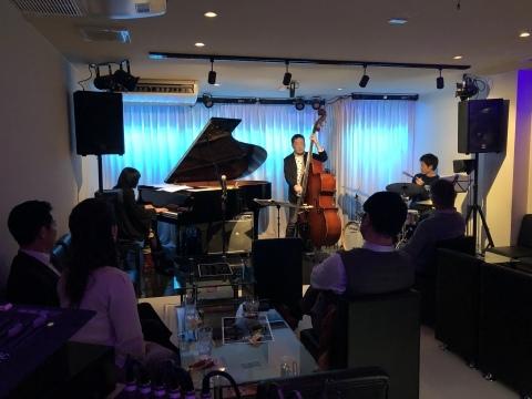 広島 Jazzlive Cominジャズライブカミン   本日1月21日のライブ_b0115606_11221530.jpeg