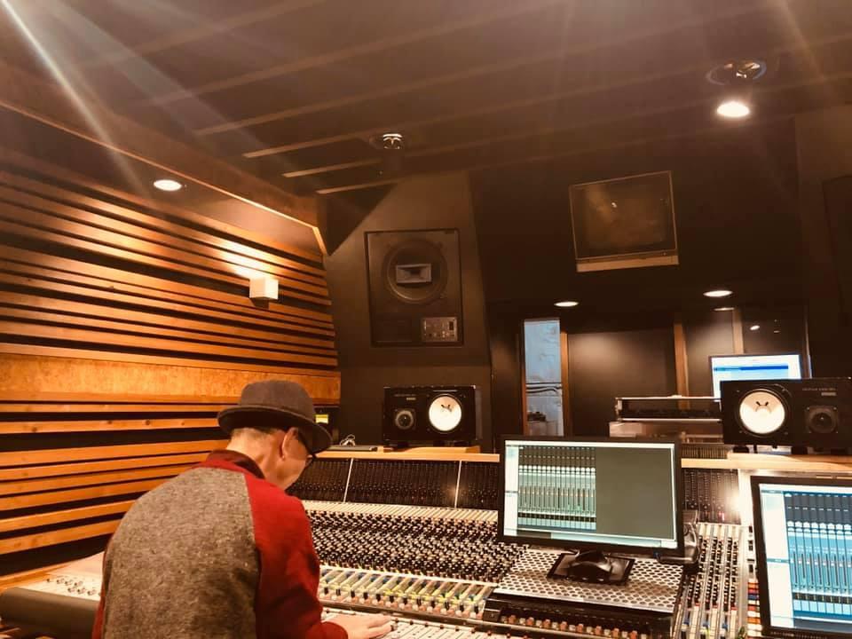 このスタジオは!!_a0088007_05004522.jpg