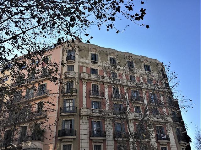 Eixample地区の散歩とレストラン La Tartareria_b0064411_19222280.jpg