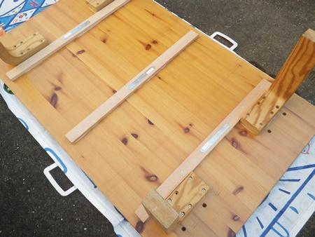 汚れて湾曲したテーブルの修理(1)_b0312424_10271523.jpg