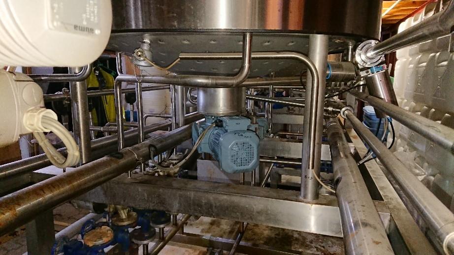 地ビール工場の仕込装..._d0174738_07194648.jpg