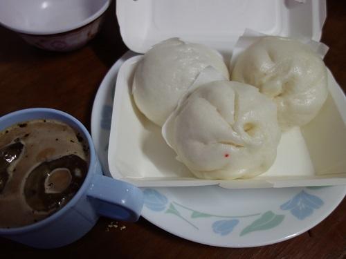 初めての食もある、バンコクアパートの朝ご飯紹介します_c0030645_18355976.jpg