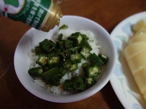 初めての食もある、バンコクアパートの朝ご飯紹介します_c0030645_18360484.jpg