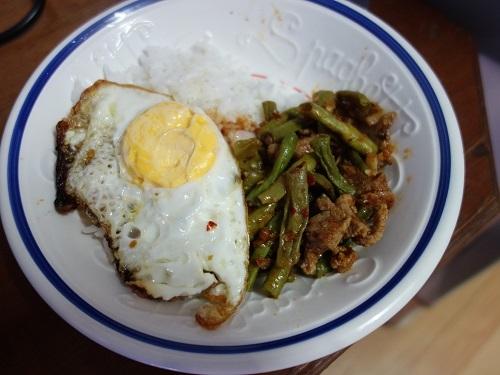 初めての食もある、バンコクアパートの朝ご飯紹介します_c0030645_18362465.jpg