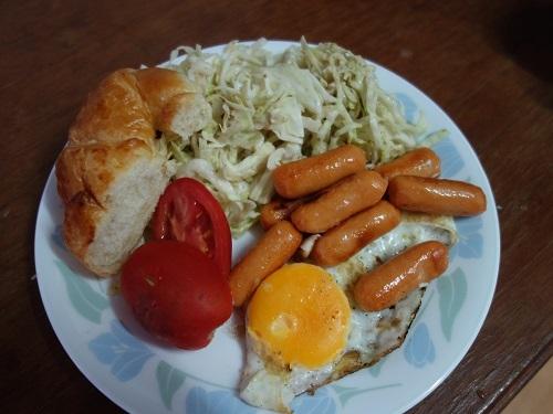 初めての食もある、バンコクアパートの朝ご飯紹介します_c0030645_18371305.jpg