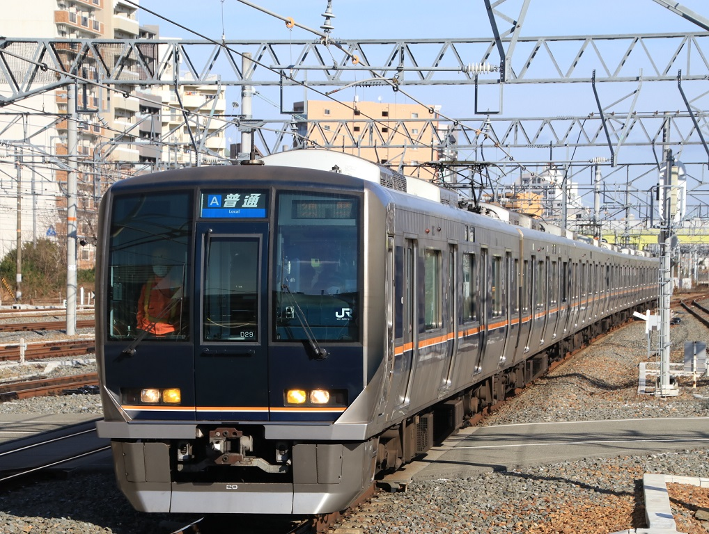 321系 新大阪駅にて。_d0202264_5494888.jpg