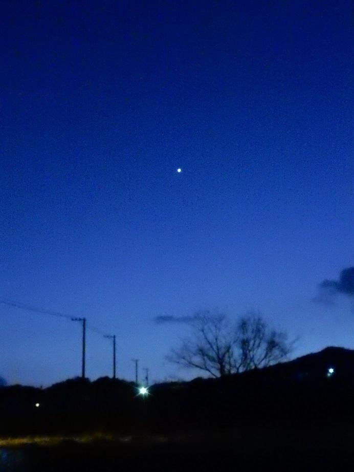 一番星は宵の明星_e0175370_21382441.jpg