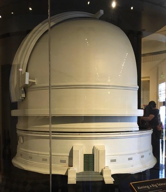 グリフィス天文台のプラネタリウム_e0350971_11370746.jpg
