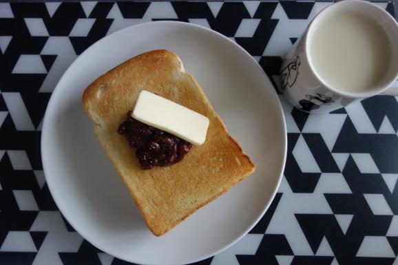 コメダのパンであんバタートースト_e0230011_17120023.jpg