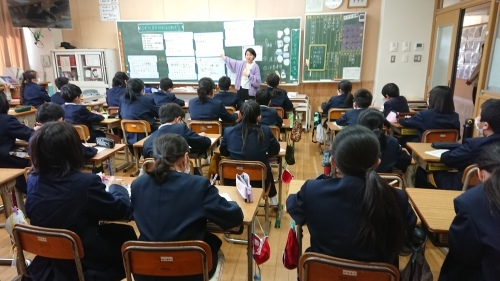 妻鳥小学校の自由参観日_e0181051_11055510.jpg