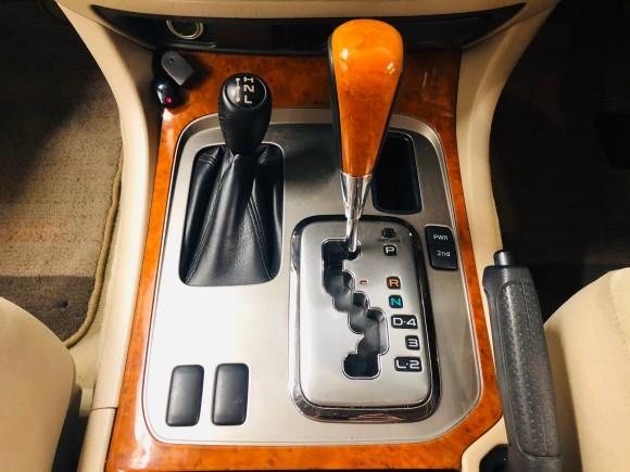 1月23日(木)ランドクルーザー100 VXリミテッド 4.7VXリミテッド 4WD あります♬  ランクル ハマー エスカレードならTOMMY☆彡_b0127002_19103796.jpg