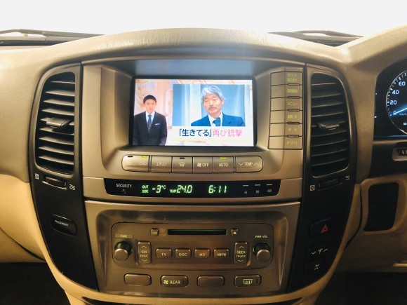 1月23日(木)ランドクルーザー100 VXリミテッド 4.7VXリミテッド 4WD あります♬  ランクル ハマー エスカレードならTOMMY☆彡_b0127002_19104187.jpg