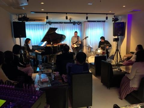 広島 Jazzlive Cominジャズライブカミン  明日金曜日のライブ!_b0115606_14054885.jpeg