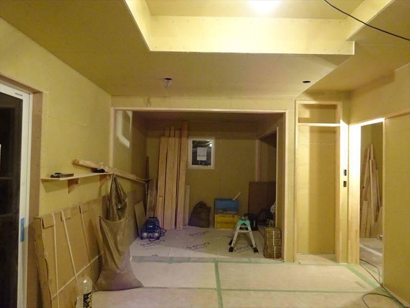 滝沢 穴口の家 大工工事進行中。_f0105112_04034169.jpg