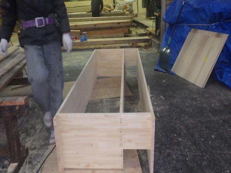 滝沢 穴口の家 大工工事進行中。_f0105112_04160994.jpg