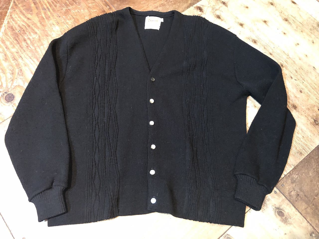 1月23日(木)入荷! 60s all virgin wool CAMPUS BLACK Cardigan !!_c0144020_13032438.jpg