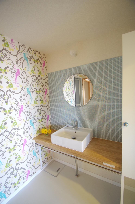 洗面室は華やかに、楽しく_c0004024_14462306.jpg