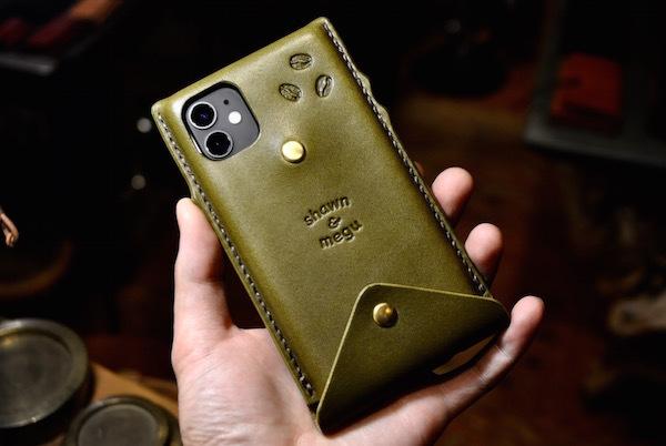 iphone 11 leather case_b0172633_20545447.jpg