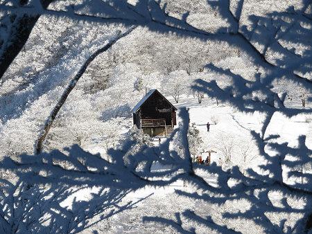 今年初のスノーシューで樹氷の森を堪能!!【台高・明神平界隈】1/19 ★MSRライトニングアッセントを加工修理する_d0387443_09454018.jpg