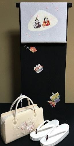 商品紹介・綺麗なアップリケのお雛様の帯+岡重小紋。_f0181251_19122109.jpg