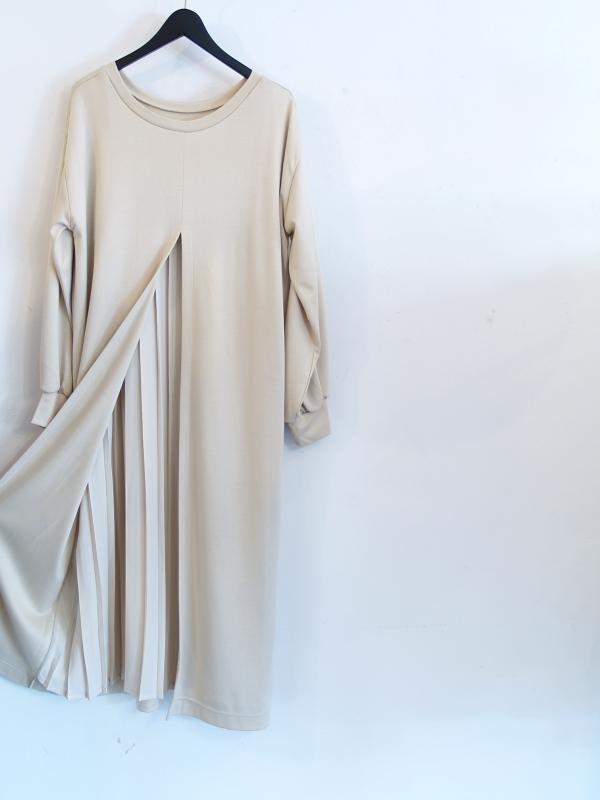 DRESS DRESS!!_d0103566_16564660.jpg