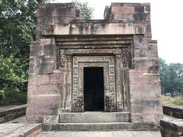 Parvati Temple/Chaturmuka Mahadeba Temple:Nachna村_f0157870_02052818.jpeg