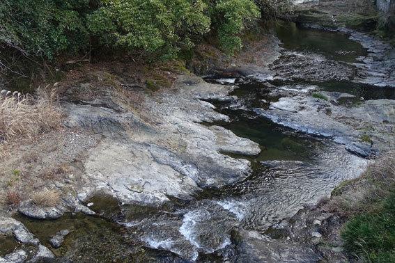 寒の水はいいけど浴びるのは榊原温泉を_b0145296_15012431.jpg