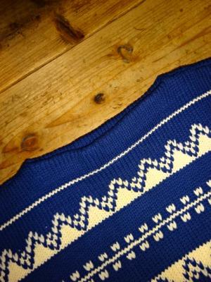 Euro Vintage Sweater_d0176398_1952476.jpg