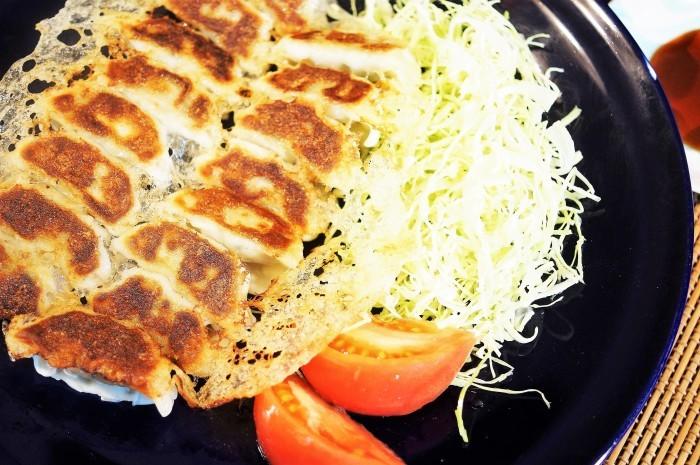 ■晩ご飯【羽根つき餃子にしたら】頂き物の宇都宮餃子が2倍美味しく^0^_b0033423_19530053.jpg