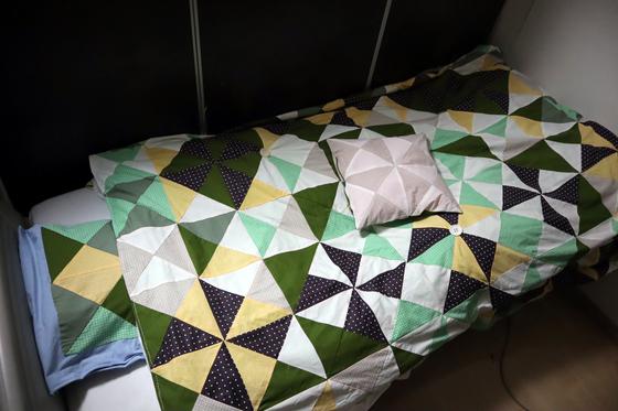 裁縫 ~ パッチワークの寝具セット ~_e0222340_15375729.jpg