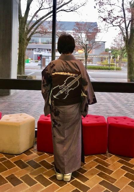 野田さんコンサートのお客様・結城紬や楽器の帯。_f0181251_17453232.jpg