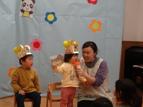 1月誕生会(1・2歳児)_c0352066_11380320.jpg