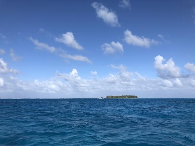 サイパンの海は水色で綺麗〜♬          Saipan_e0184067_11364900.jpeg