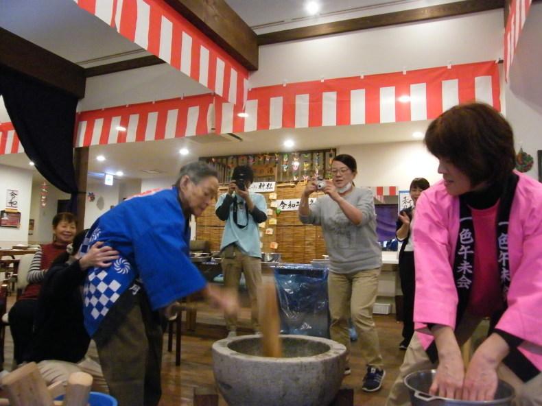 燈いろも開催♬ぺったんぺったんと餅つき会(^^)/_f0220087_07495514.jpg