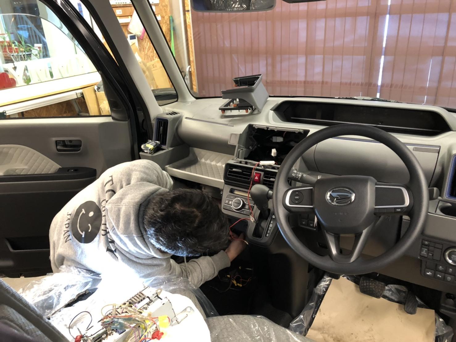 1月25日(日)O様新車タント納車☆エスカレード ゼロデザインあります✊レクサス ランクル ハマー TOMMY_b0127002_19011744.jpg