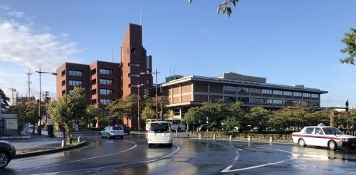前川國男 近代建築を巡る その3  弘前市庁舎 1958年、新館 1972年_e0028417_20371338.jpg