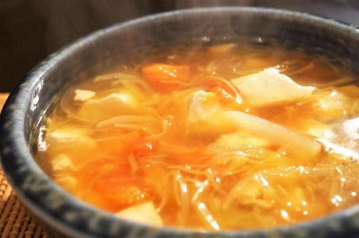 ■5分で副菜【創味シャンタン味 豆腐と野菜のスープ 昨日の羽根つき餃子のお伴でした♪】_b0033423_10141783.jpg