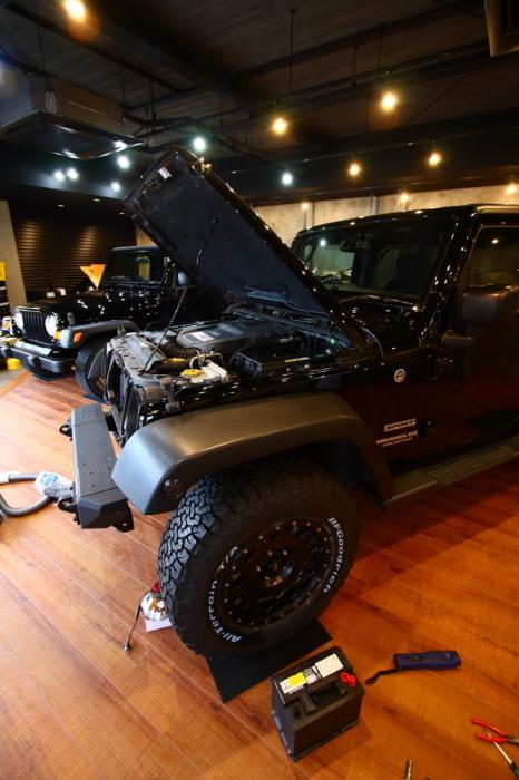 ブラックTJ外装作業完了からライトカーキも仕上げ開始_f0105425_18064161.jpg